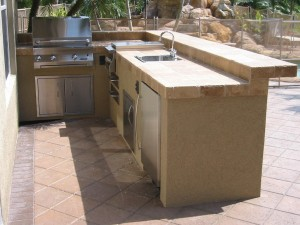 built in infrared grill in full outdoor kitchen island